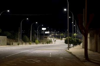 Ejemplo de una instalación de luminarias públicas